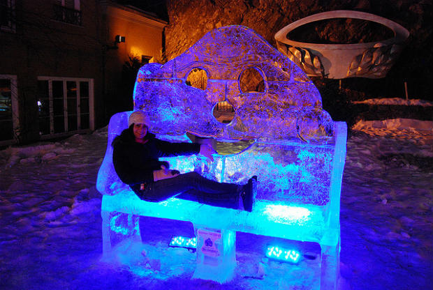 ice sculpture in quebec