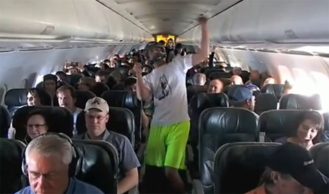 Harlem Shake on Airplane