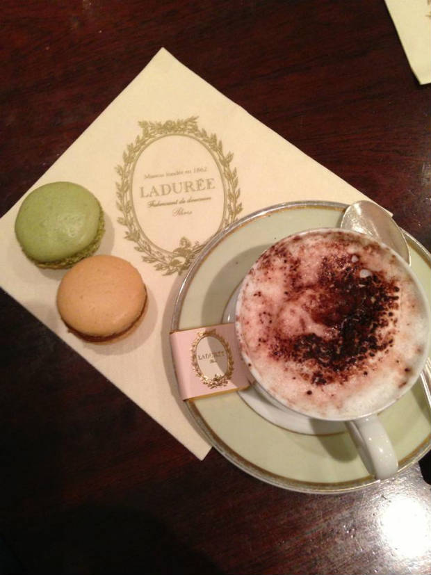 macaroons and coffee