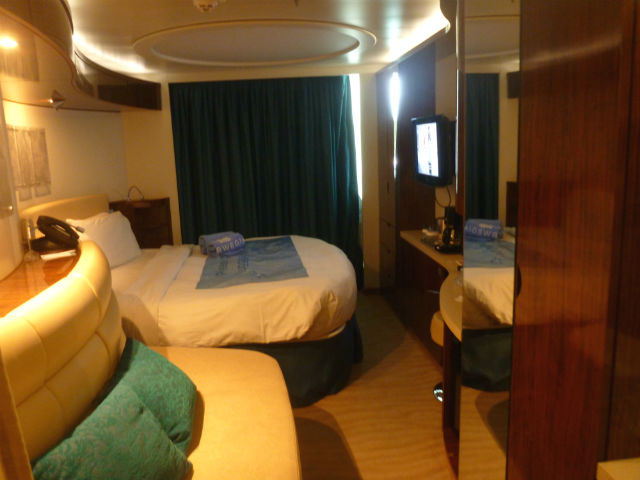 Norwegian Epic cruise cabin
