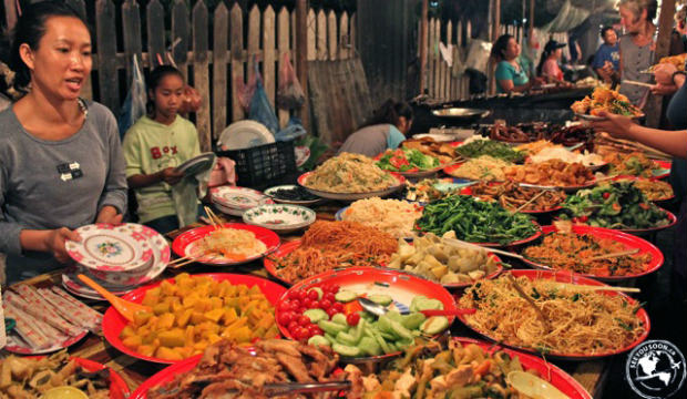 Table of food in Thailand