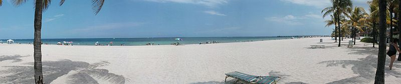 800px-Fort_Lauderdale_beach_panorama
