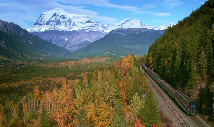 rocky mountaineer train through mountains