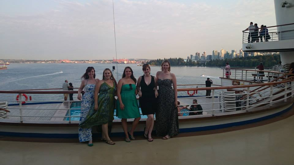 5 girls on a cruise balcony