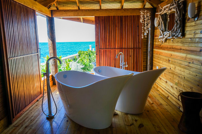 Rockhouse Spa Tub with View Jamaica