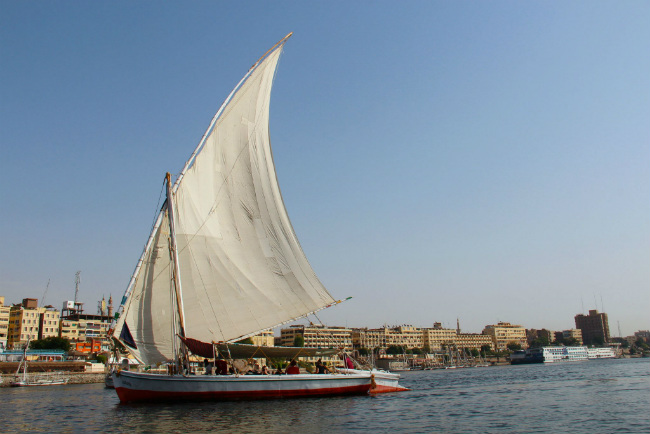 cruising the nile river egypt