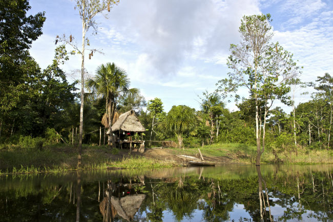 Peru_Amazon_River_Hut_Forrest_gadventures