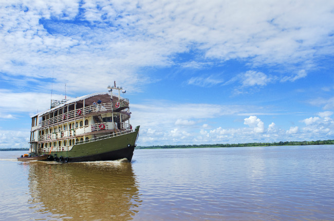 Peru_Amazon_Riverboat_Exterior-Amatista_Gadventures