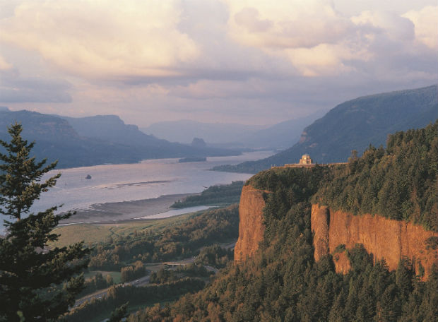 Columbia River Gorge by Larry Geddis