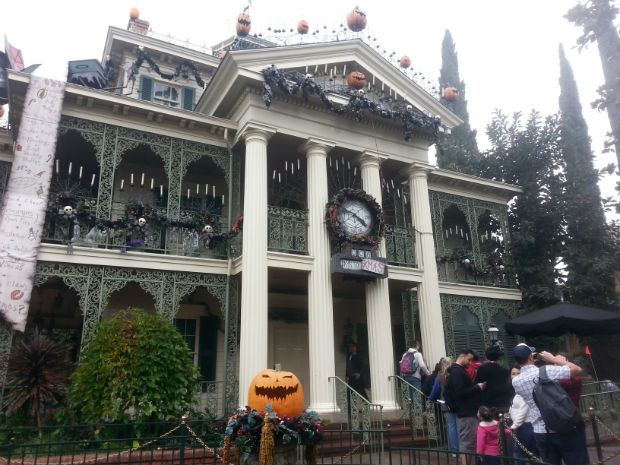 Stephanie Coomber-Haunted Mansion at Christmas
