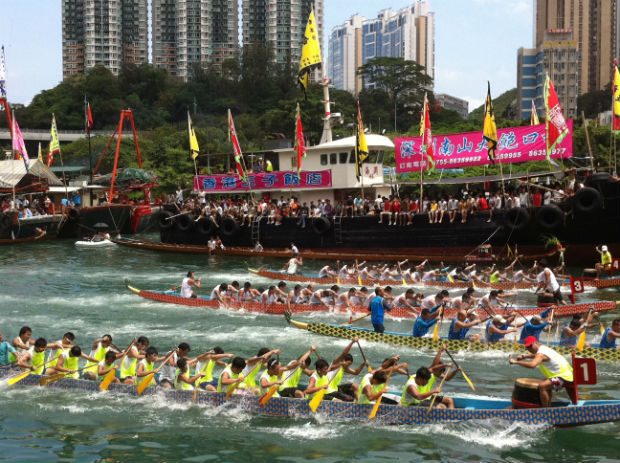 Dragon_boat_racing_in_Hong_Kong