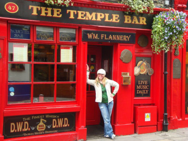 cruise expert melissa wand at the temple bar in ireland