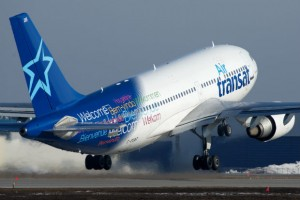 air transat taking off