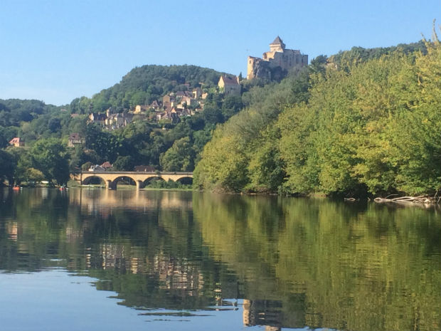canoeing along the drodogne, france