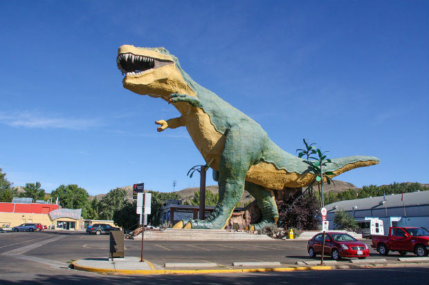 world's largest dinosaur model t rex drumheller alberta