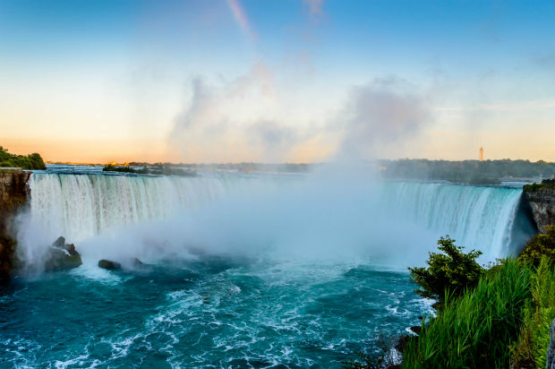 niagara falls ontario at sunset