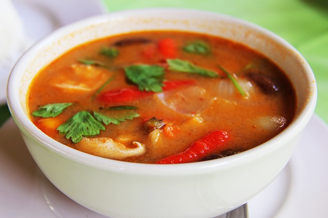 thai food tom yum soup red curry