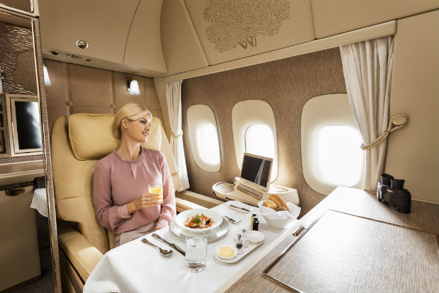 Emirates-First-Class-dining