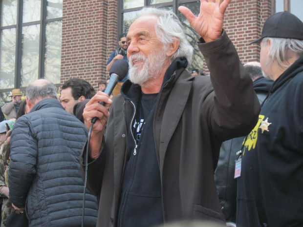 tommy chong born in alberta speaks to crowd
