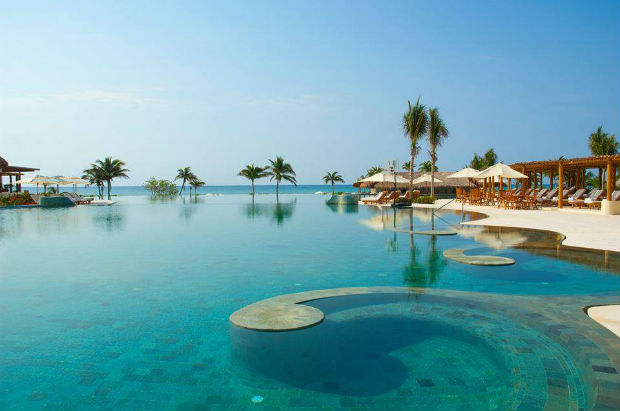 grand-velas-riviera-maya-pool