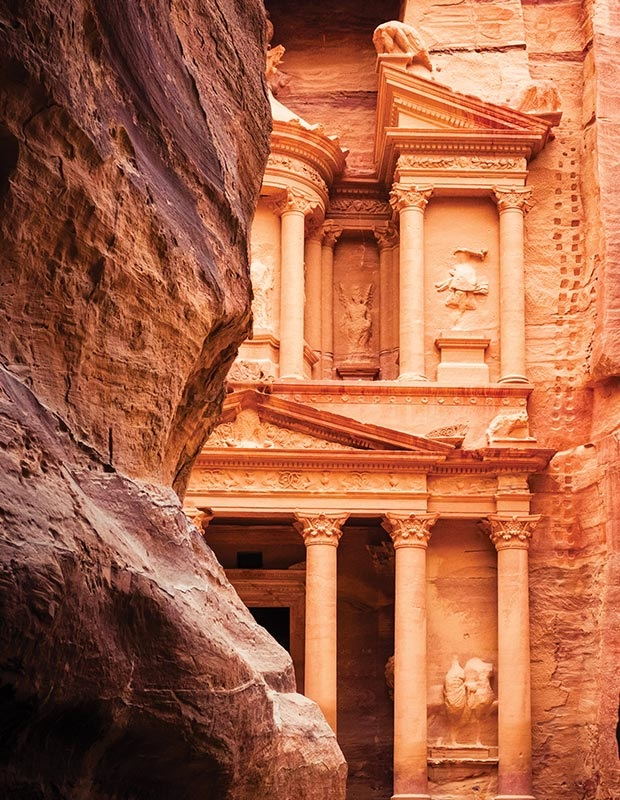 petra-wonders-of-the-world