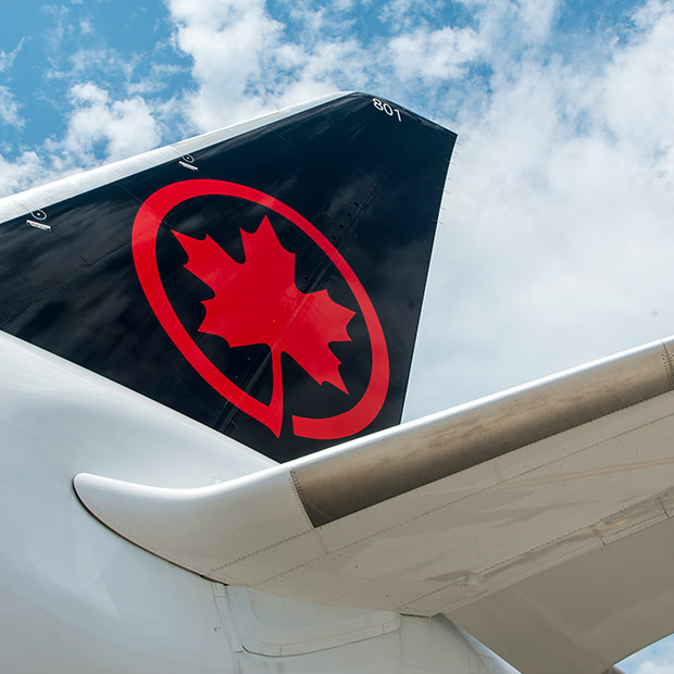 air canada's dreamliner tail with new livery