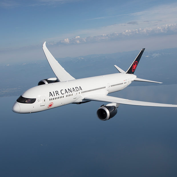 Air Canada Boeing 787-9 Dreamliner in Flight