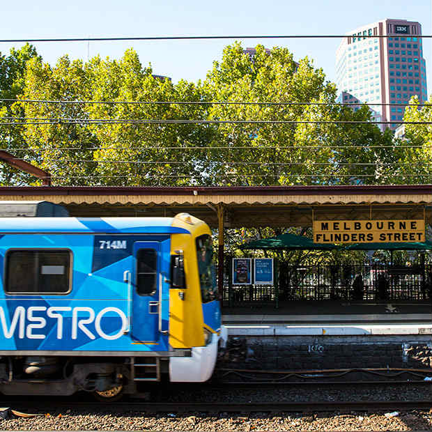 train in melbourne