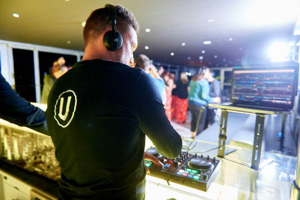 u-by-uniworld-silent-disco