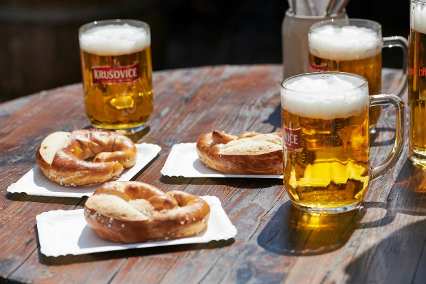 u-by-uniworld-craft-beer-german-pretzels