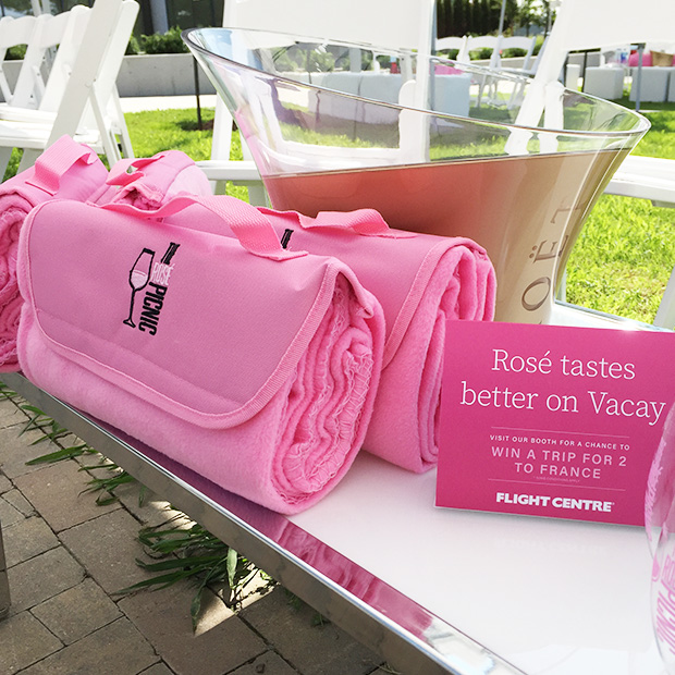 pink picnic blankets