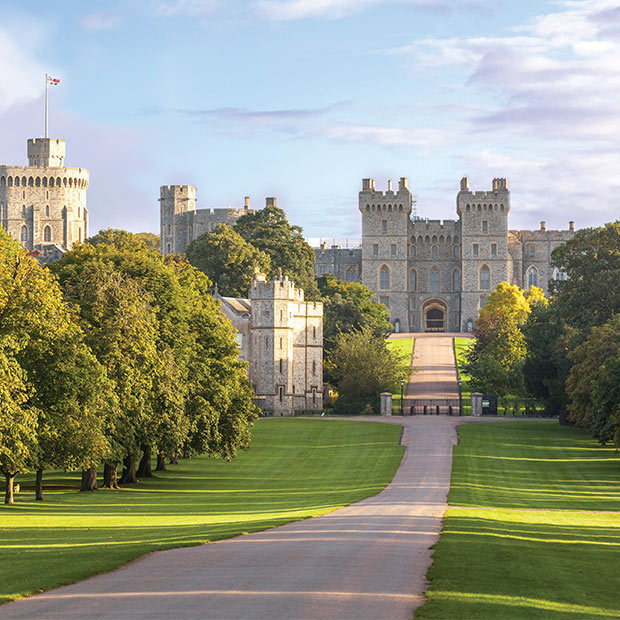 windsor-castle-london-england-traditional-architecture