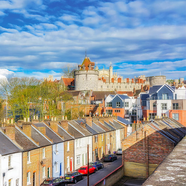 windsor-castle-and-beautiful-town