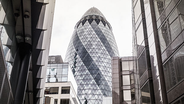 30-st-mary-axe-the-gherkin-london-travel-architecture