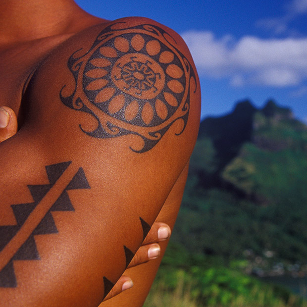 Things to do in Hawaii traditional tap tattoos