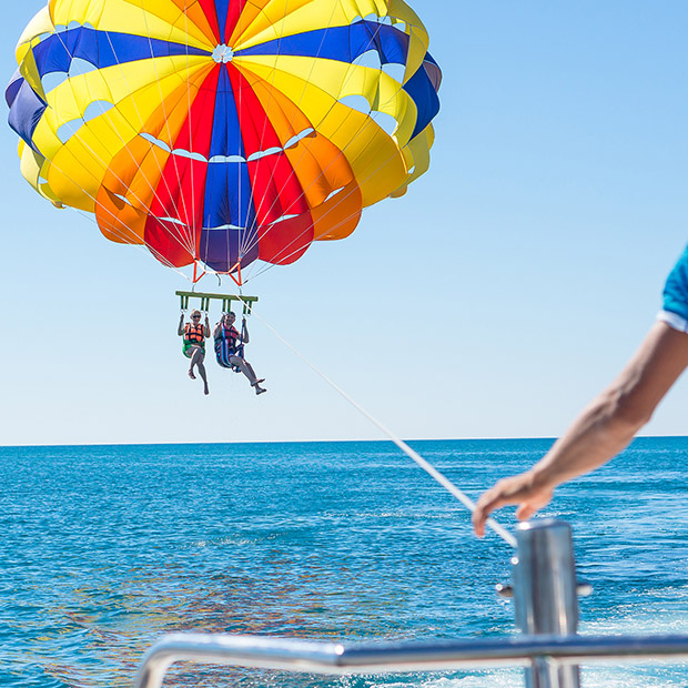 Things to do in Hawaii with kids, parasailing Maui