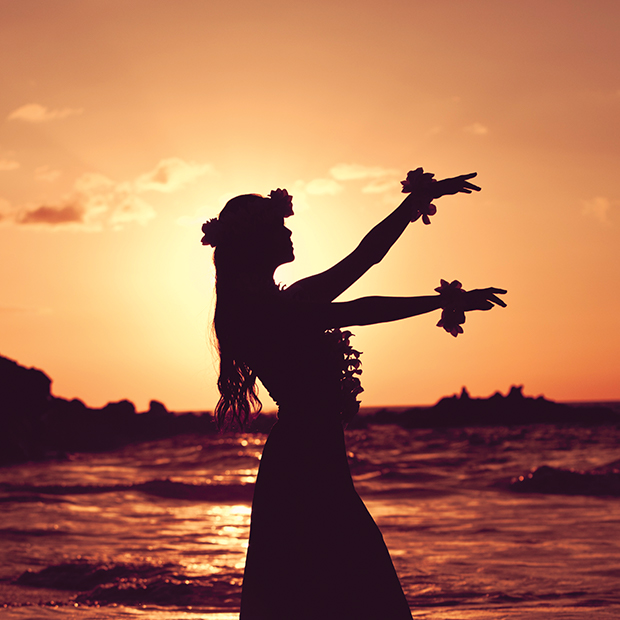 maui-things-to-do-luau-dancer-at-sunset
