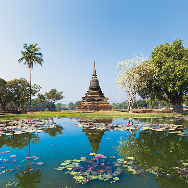 top-places-to-visit-chiang-mai-serene-temple-on-water-with-lotus-flowers