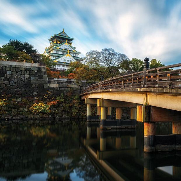 osaka-castle-beautiful-day-bridge-over-calm-water