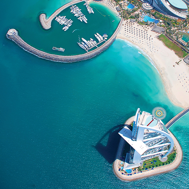 norwegian-jewel-dubai-stunning-aerial-view-turquoise-water-modern-harbour