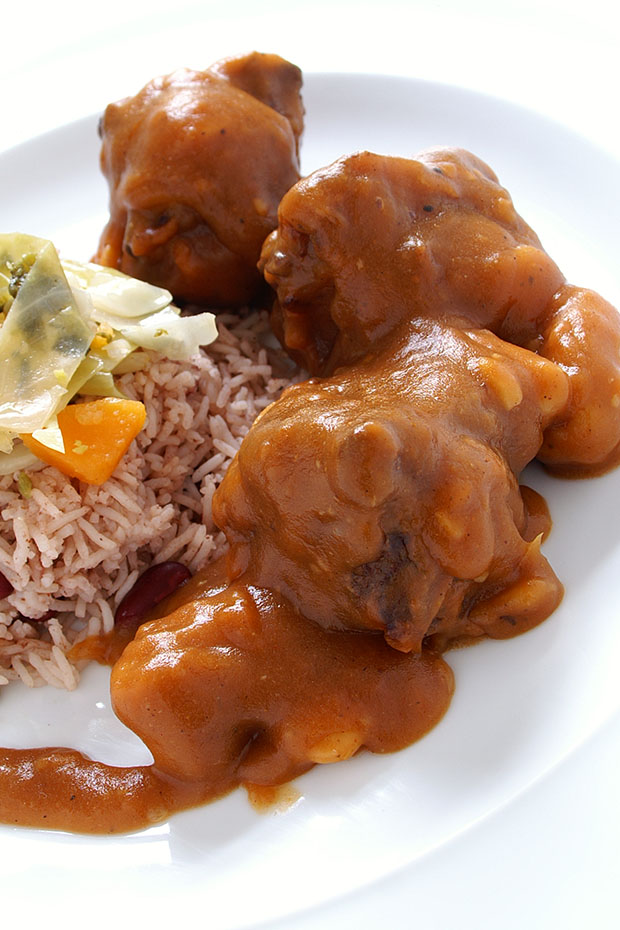 traditional Jamaican food curry goat