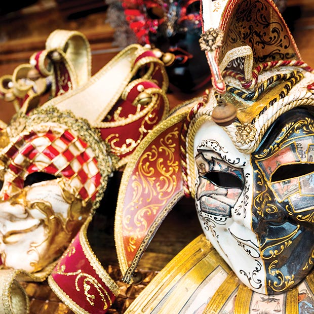 mardi-gras-italy-colourful-traditional-masks