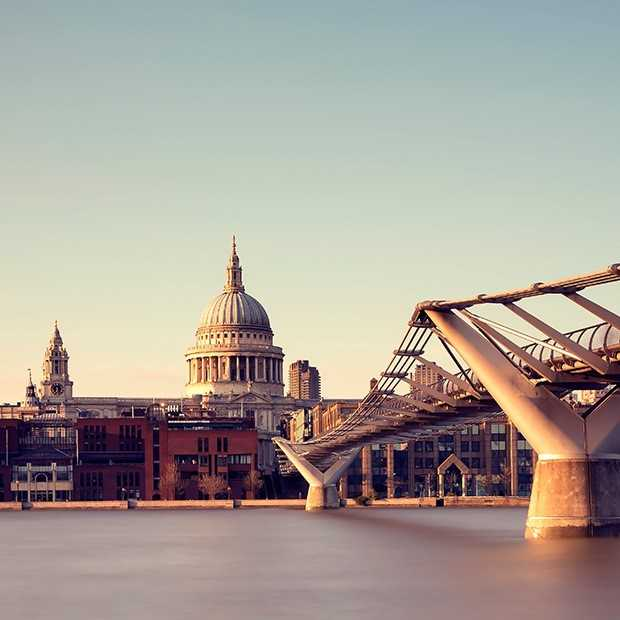 river-thames-london-dawn-still-water-st-pauls-cathedral