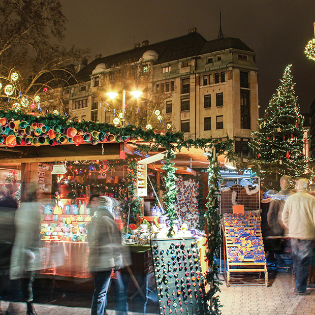 trinkets and souvenirs on display at budapest christmas market